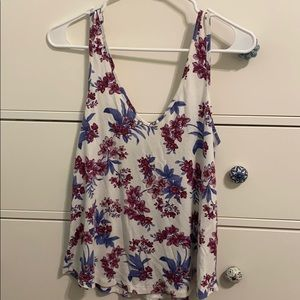 Cute floral tank top! Only worn a handful of times